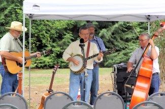 Bluegrass and old time band plays for visitors.
